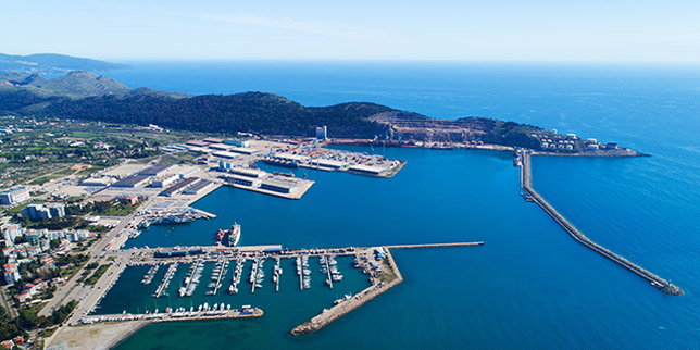 Montengro plans for new container terminals at an international commercial gateway